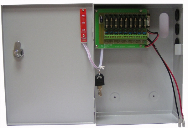 UPS-5128-17 Импульсный блок бесперебойного питания 12В/5А 8 выходов, в металлическом боксе под 18(А) АКБ